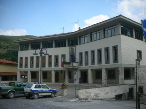 Serravalle di Chienti (Il Municipio)